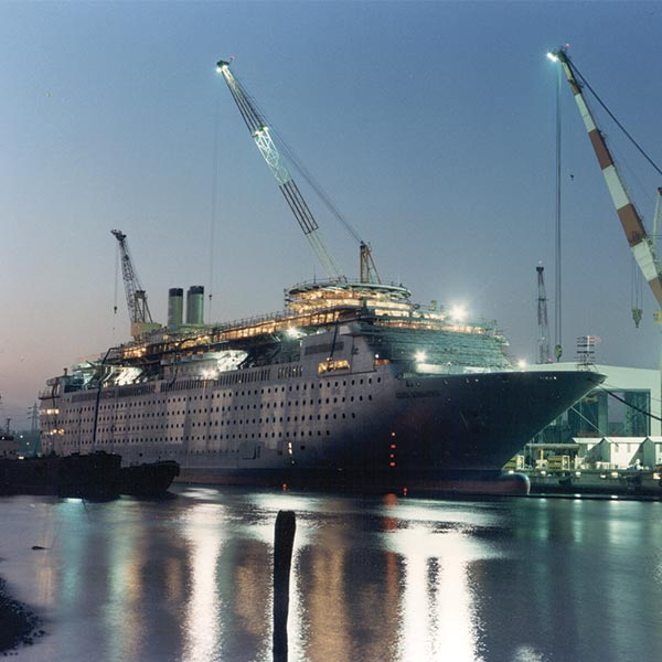 Progetti di navi da crociera costa fascinosa for Piano nave costa fascinosa